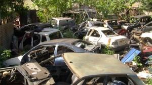 Le cimetière des voitures de Doujani