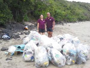 Des privés pour nettoyer les plages (7 photos)