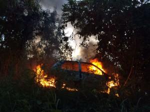 Tanafou: Une voiture brulée et 2 hommes grièvement blessés