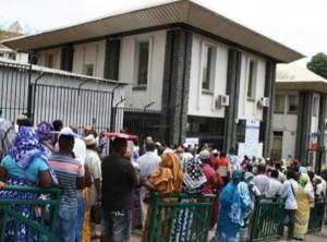 Préfecture de Mayotte : De l'argent contre des papiers