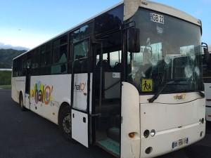 Encore un bus caillassé