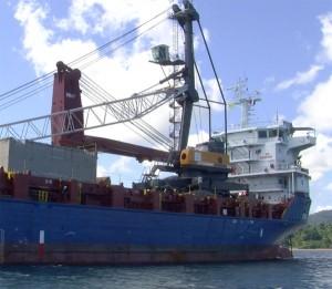 Port de Longoni : réactions sur l'arrivée des grues