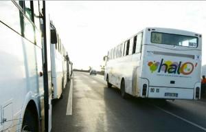 Encore un  bus caillassé entre Passamainty et Vahibé