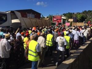 Grève Colas : en marche vers la Dieccte (vidéo)