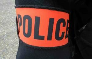 POLICE-BRASSARD-2