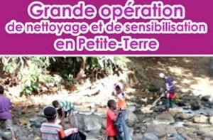 Grande opération de nettoyage et de sensibilisation en Petite Terre