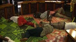 L'hémicycle du Conseil départemental transformé en dortoir (photos)