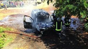 Un véhicule prend feu sur la rocade (vidéo)