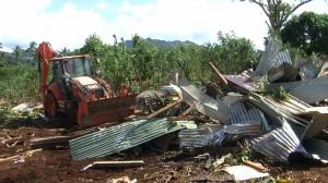 Opération de destruction d'habitats en tôles à Kahani
