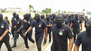 Les Guyanais s'organisent en milices cagoulées pour ramener l'ordre