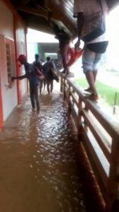 Inondation : «Et vous parlez d'un lycée…»