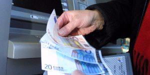 Un usager se fait voler 150€ à peine sorti du distributeur de billet