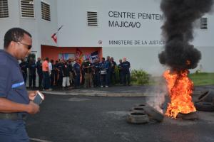 Grève des agents de la prison de Majicavo en lien avec le mouvement national