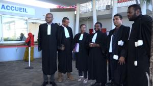 Le barreau de Mayotte manifeste contre le projet de loi de justice