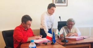 La commune de Chirongui et l'AFD signent des conventions de préfinancement à hauteur de 5 millions d'euros