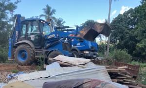 Nouvelle opération des autorités sur les hauteurs de Kaweni pour empêcher les reconstructions de bangas (photos)