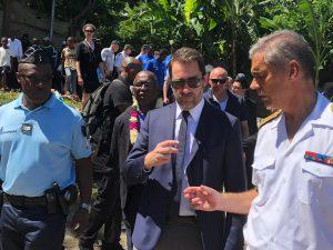 Le Ministre de l'Intérieur découvre le quartier de La Vigie en Petite Terre (video)
