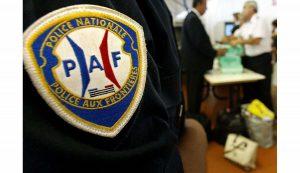 Un contrôle de la police aux frontières devant les locaux de la Cimade ce week end