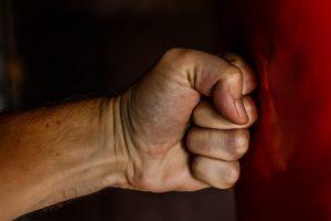 fist-1561157_1920-854x569