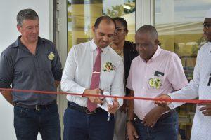 Mayotte Bureau élargit son offre et la rend plus accessible en ouvrant un deuxième magasin à Combani