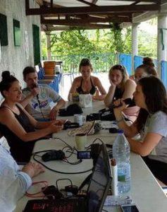 5 jeunes métropolitains s'intéressent à Mayotte et préparent un documentaire
