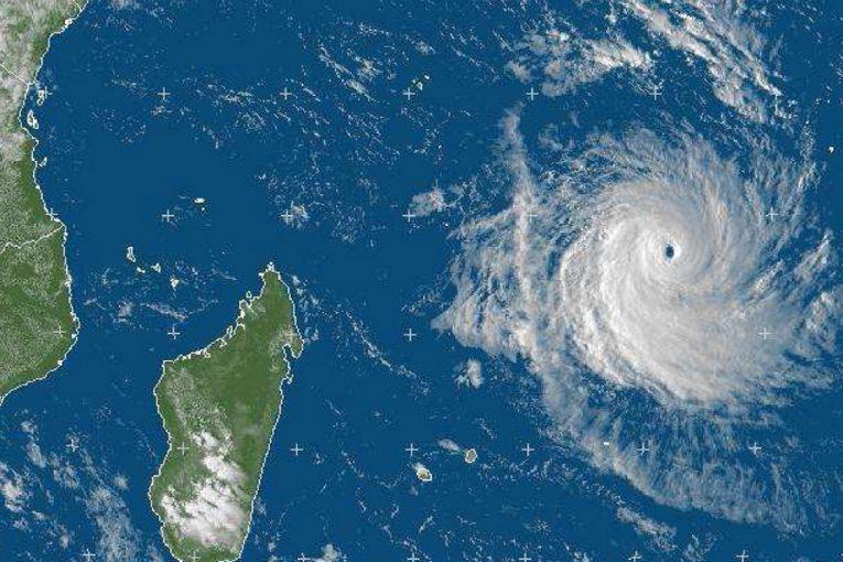 press2012-10-30-dossier-de-presse-cyclone-2012-2013-4