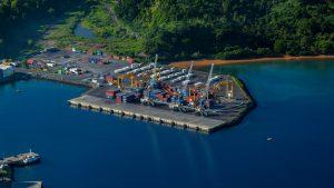 Les ports de métropole sont à leur tour bloqués par la grève
