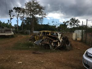 L'urgence sanitaire liée à la dengue implique de ramasser les déchets