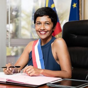 La maire de Saint-Denis demande le rétablissement des tests PCR avant tout voyage entre Mayotte et La Réunion