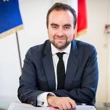 La visite officielle de Sébastien Lecornu reportée au 5 décembre