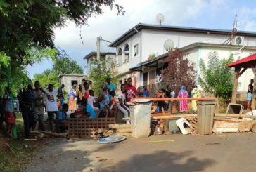 Mirereni : après un accident de voiture, les habitants érigent des barrages