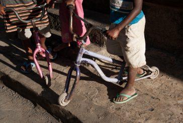 Pamandzi : un enfant de deux ans traverse la route et est percuté par une voiture