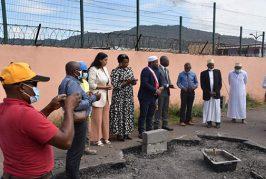 Pose de la 1ère pierre de la maison départementale des services sociaux à Iloni