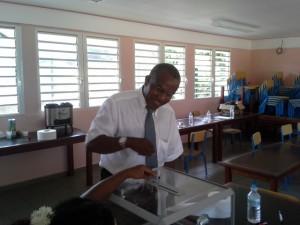 Douchina a voté au bureau n°12