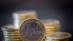 L'euro au plus bas se rapproche de la parité avec le dollar