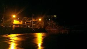 Le terrain de basket de Cavani dans le noir