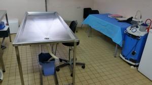 24 bébés enterrés dans la fosse commune lundi.