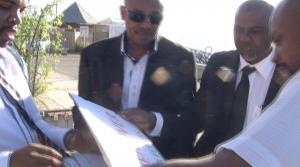 Les pancartes de manifestants ne sont pas les bienvenues (vidéo)