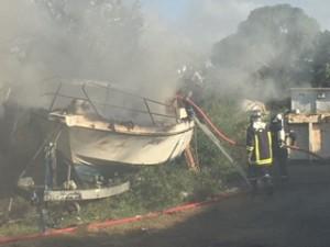 Incendie : les pompiers à l'oeuvre (vidéo)
