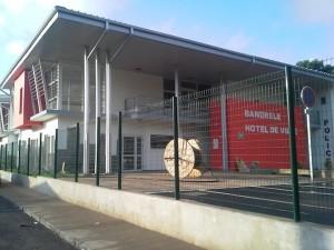 L'école de Bandrélé fermée en soutien à l'inspectrice jugée ce matin