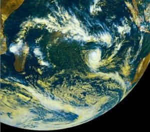 Uriah, 1er cyclone tropical de la saison 2015/2016