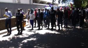 Les élus soutiennent les grévistes (vidéo)