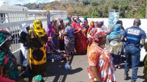 Les parents d'élèves ferment la mairie de Bandraboua (photos)
