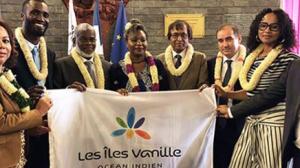 «Cette transition a pris la forme d'une transmission symbolique d'un drapeau entre l'Union des Comores et Mayotte»