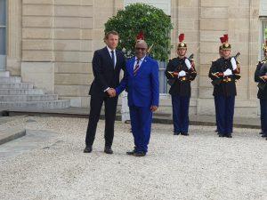 Azali Assoumani arrive à l'Elysée pour un entretien avec Emmanuel Macron