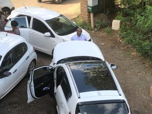 Insolite : Salim Nahouda en panne sur le parking de Kwezi