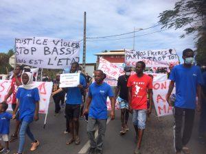 Une marche blanche pour rendre hommage aux victimes des violences