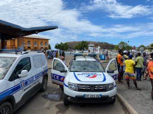 La police Municipale a empêché ce matin les vendeurs à la sauvette de prendre place, Place de la République