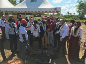 Pose de la première pierre de l'hôtel Ibis à l'aéroport de Pamandzi