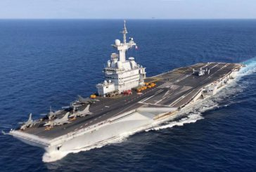 La France envoie le Charles de Gaulle dans l'Océan Indien